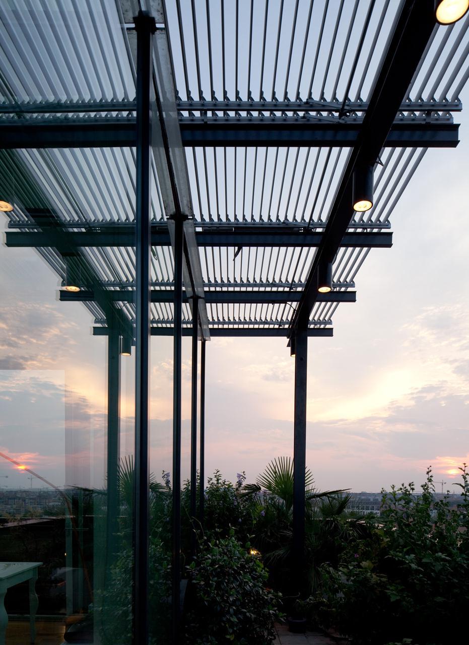 Cubo di vetro a Milano